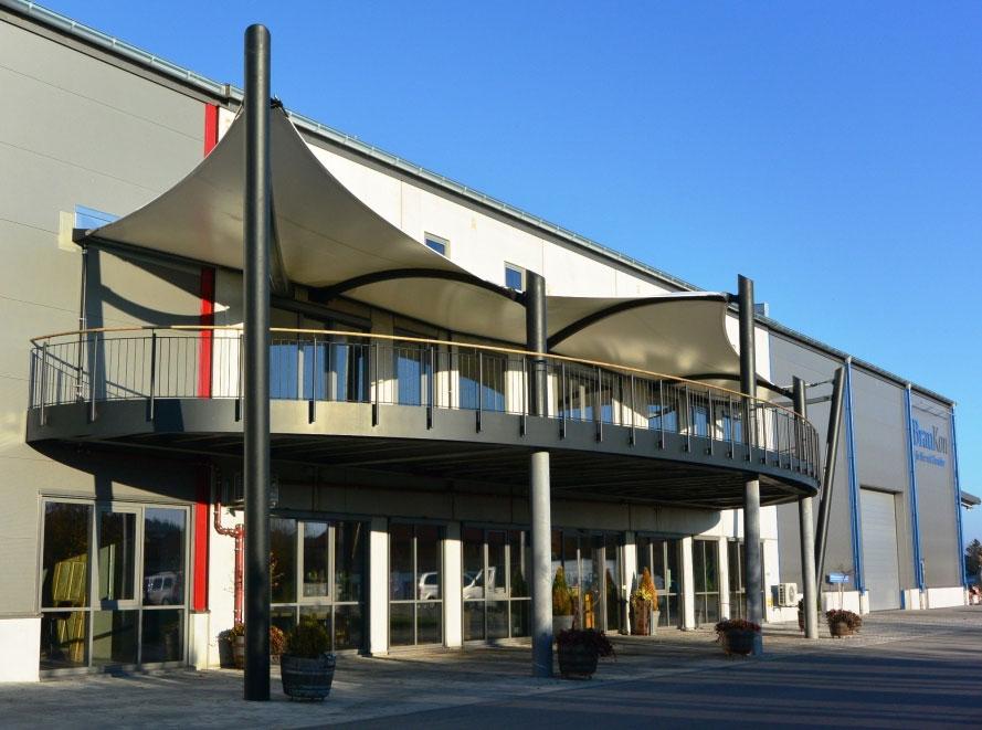 aerosun® 365 7-Punkt Membrankonstruktion, Überdachung Terrasse, Gastronomie