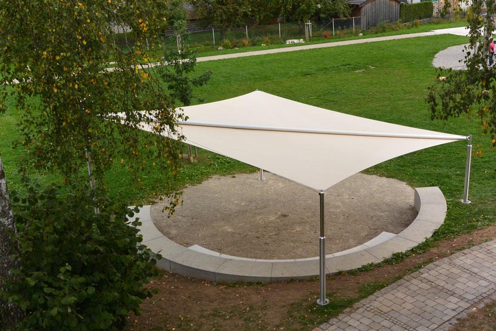 aerosun® Rollsegel (Sun Furl System) - freistehend - Spielplatz