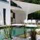 aeronautec Ganzjahressegel als Terrassenüberdachung, schönes Zusammenspiel und Design von Poollandschaft, Gartenplanung und Sonnensegel