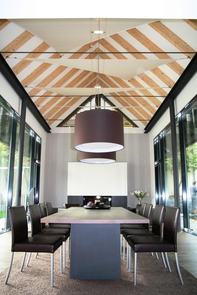 Licht- und Akustiksegel für hohe Räume. Lassen Sie den Raum aufleben. Interior Design, Innenarchitektur