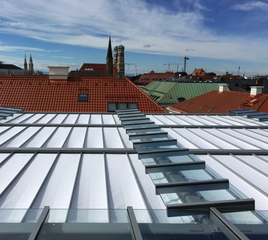 aeronautec Reffmembrane zeitlos und filigraner Wetter- und Sonnenschutz, Dachterrasse Firmengebäude