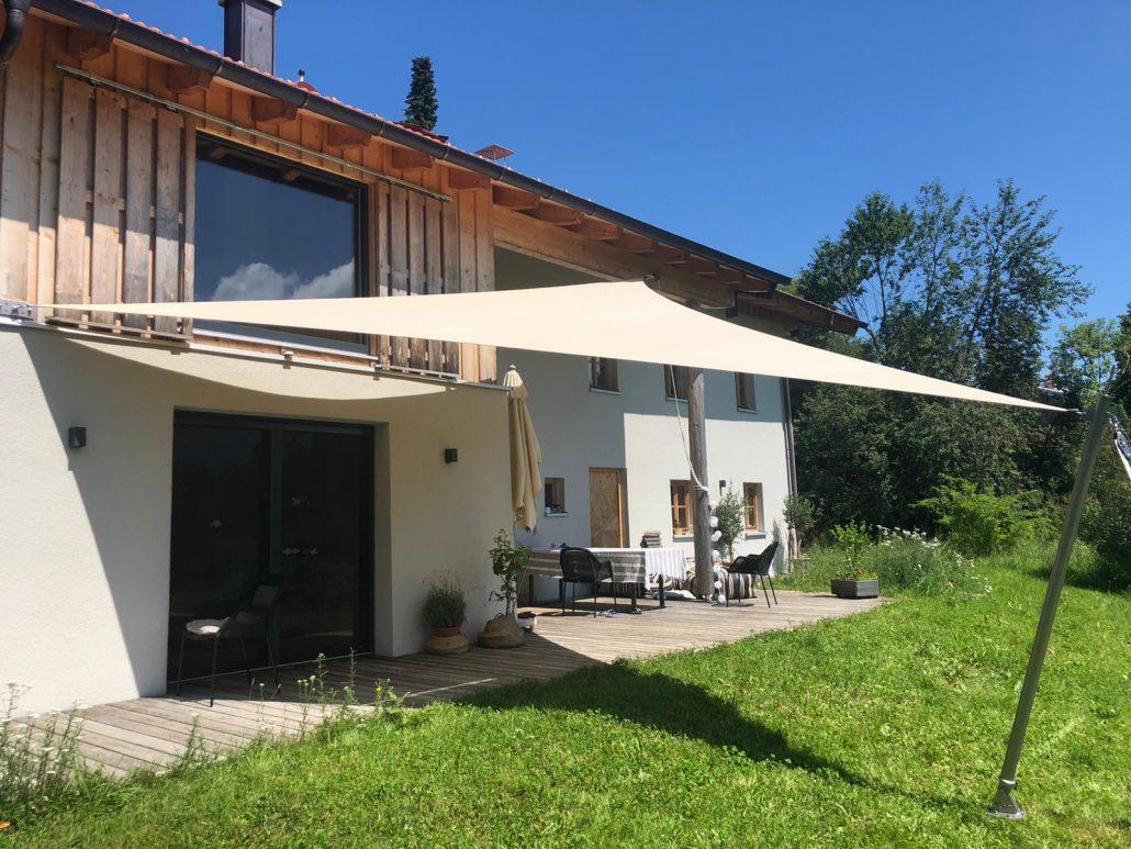 aerosun® 180 3-Punkt-Sonnensegel | wasserdicht & sturmsicher, Schatten auf der Terrasse, Dreieck, beige Segel
